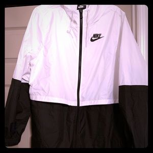Nike Women's Windrunner Hooded Jacket